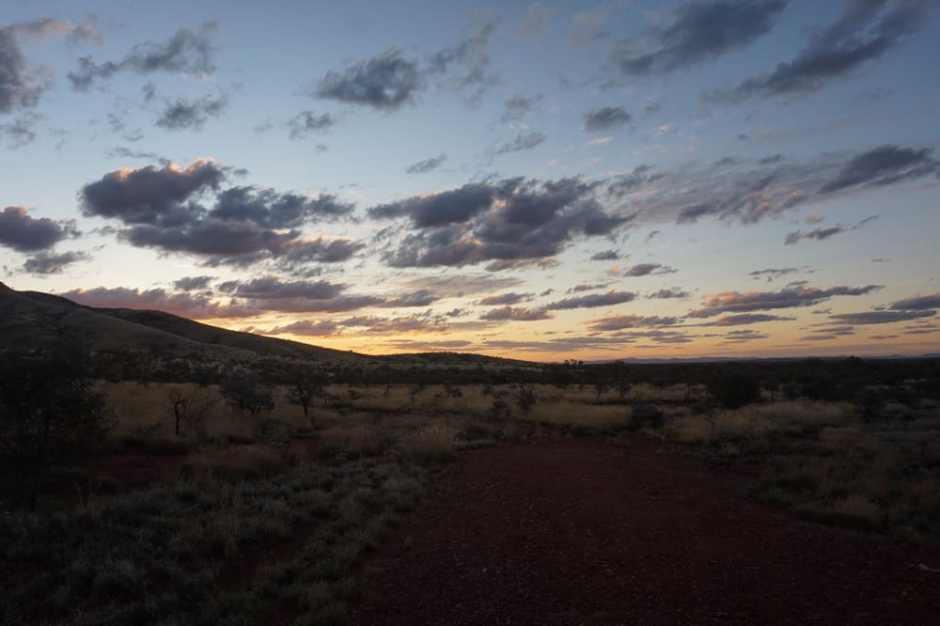 Le sunset sur la route du camping