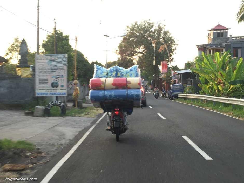 Convoi exceptionnel sur la route du retour