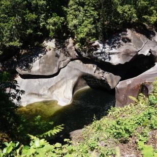 babinda-boulders-3