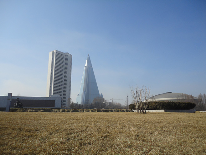 first impression of North Korea (D.P.R.K), Ryugyong Hotel
