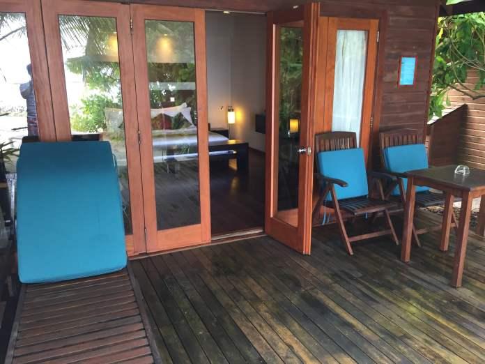 beach-room-door