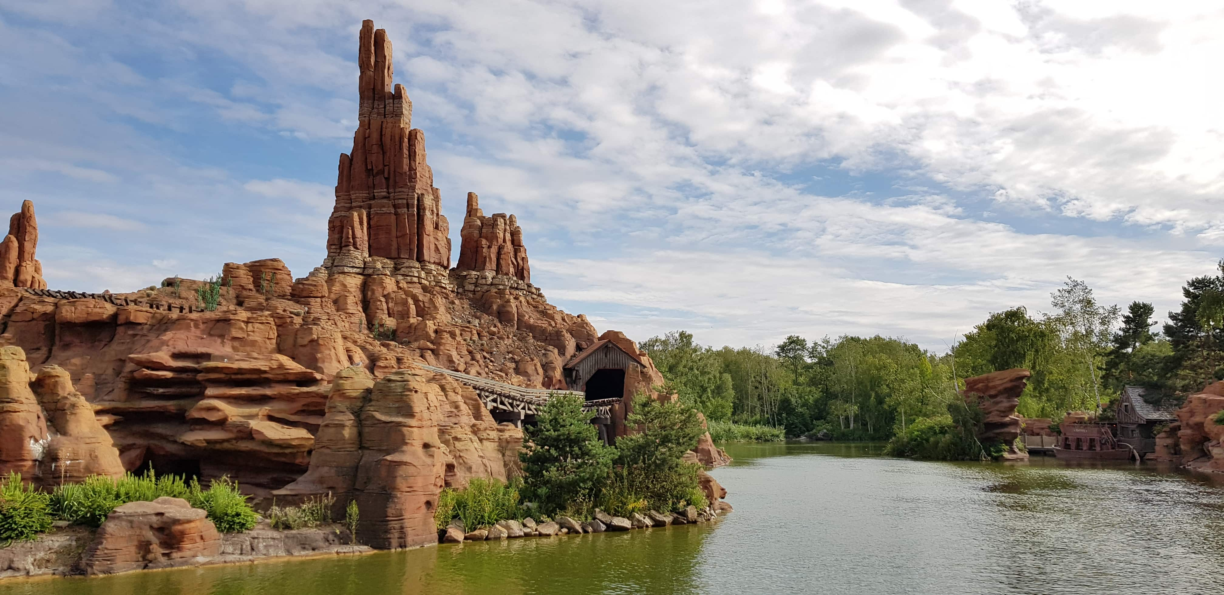 Big Thunder Mountain coaster ride Disneyland Paris