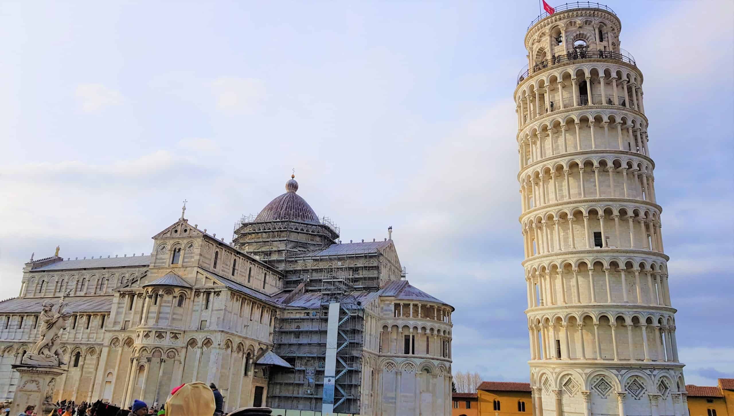 Why is the leaning tower of pisa leaning