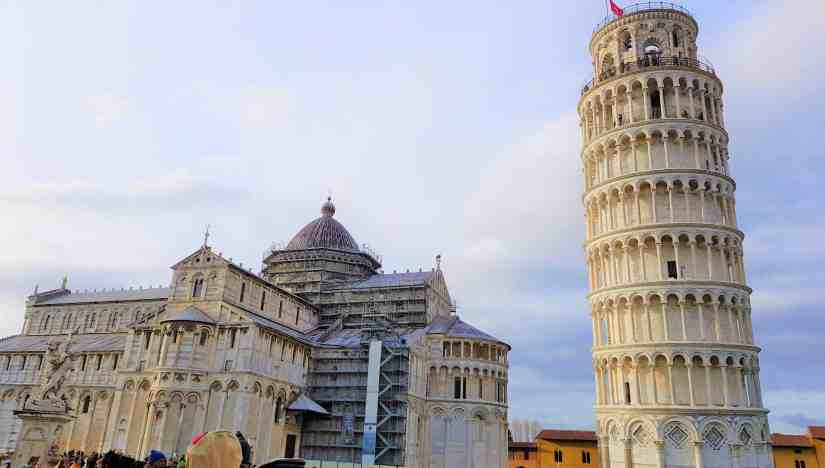 Why is the leaning tower of pisa leaning was the leaning tower of pisa a mistake