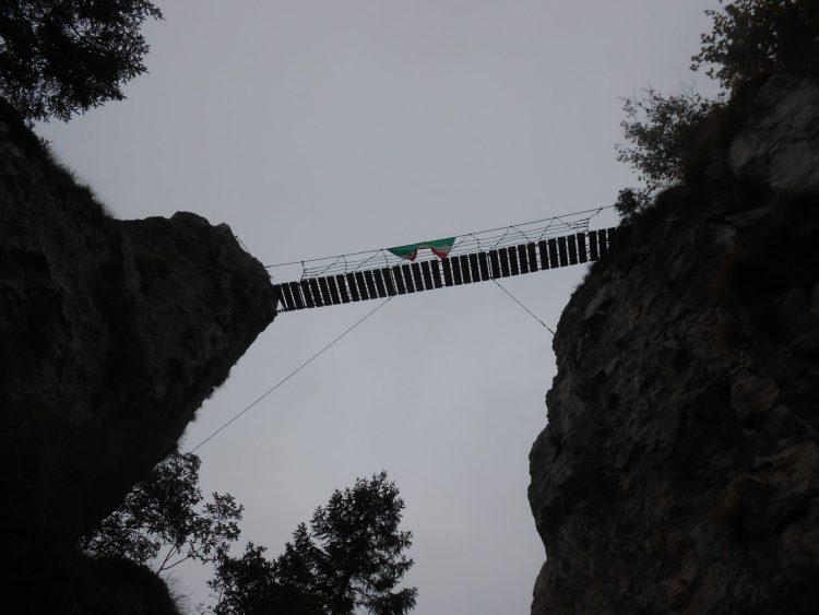 sentiero delle meatte bassano del grappa ponte tibetano