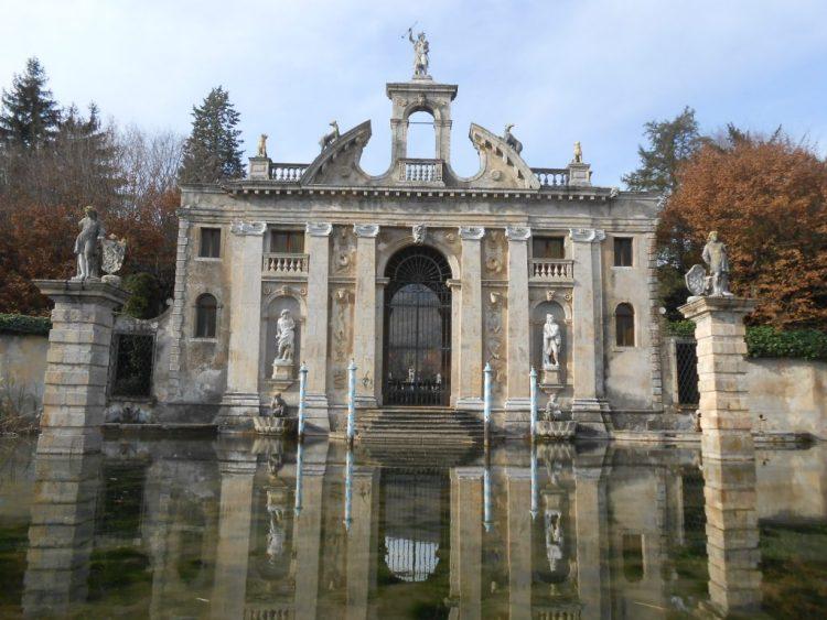 Enduro e architettura sui Colli Euganei