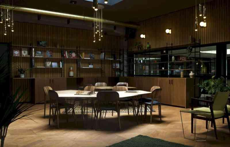 Hotel V Fizeaustraat 12