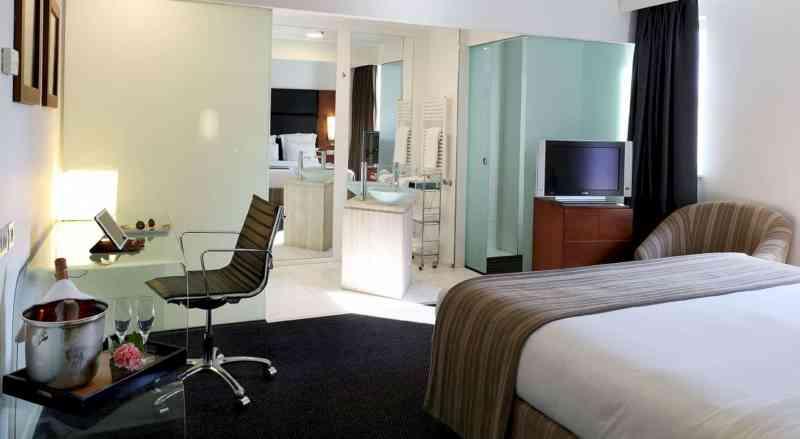 Barcelona Airport Hotel 22