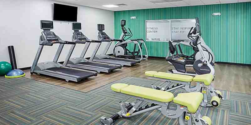 Holiday Inn Express & Suites Chicago North Shore Niles 3