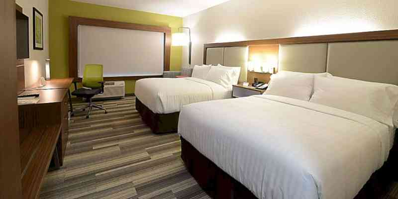 Holiday Inn Express & Suites Chicago North Shore Niles 7