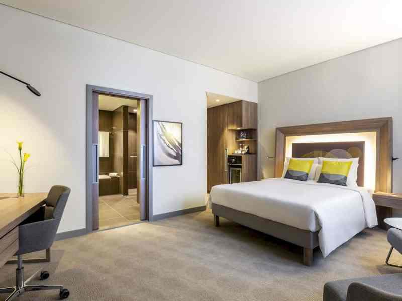Novotel Bur Dubai Hotel 5