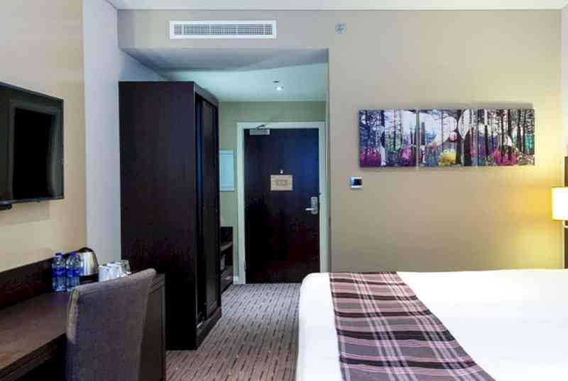 Premier Inn Dubai Al Jaddaf 10
