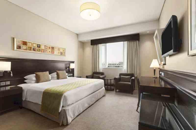 Ramada By Wyndham Jumeirah Hotel 18