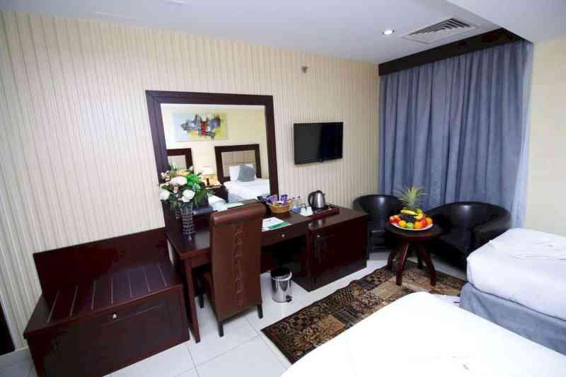 Royal Falcon Hotel 10
