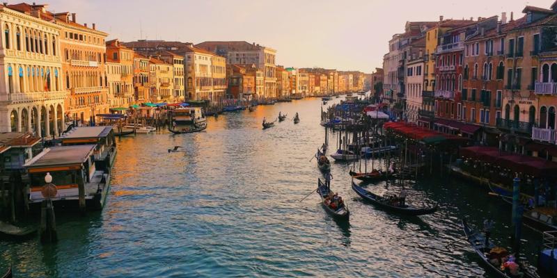 浪漫旅遊首選!不只希臘、義大利,七大連呼吸都讓人想戀愛的國家