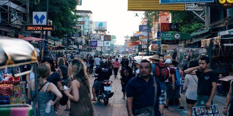 曼谷必買|購物狂必收!NaRaYa曼谷包 泰國零食 藥妝 香氛 伴手禮推薦