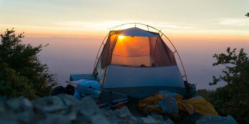 親子旅遊露營去!苗栗露營區推薦 top10,賞櫻、賞螢體驗夢幻仙境