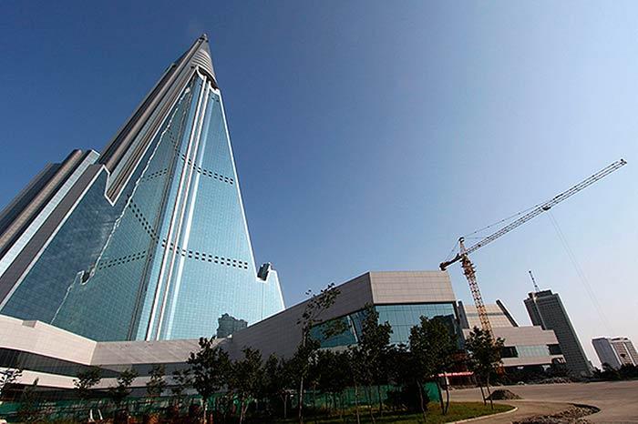 Ryugyong Hotel – Pyongyang, North Korea