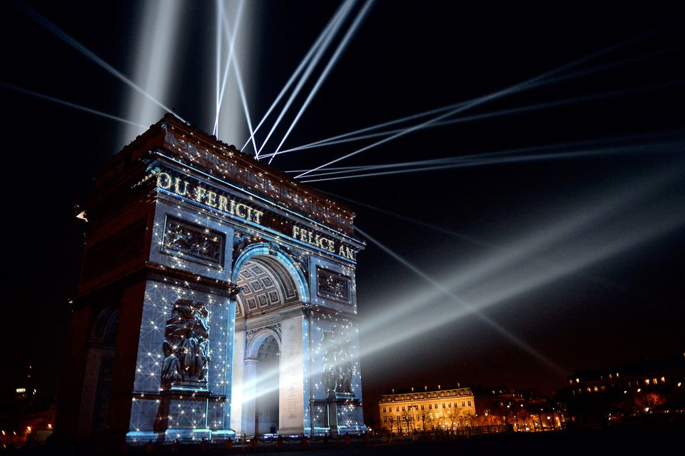 Celebrating New Year s Eve in Paris  2017 2018 Guide Best Places to Celebrate the  Nouvel An  in Paris