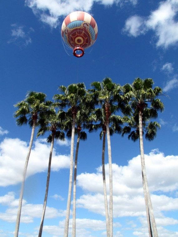 What an awesome sight an old fashioned balloon rising over the palm trees!