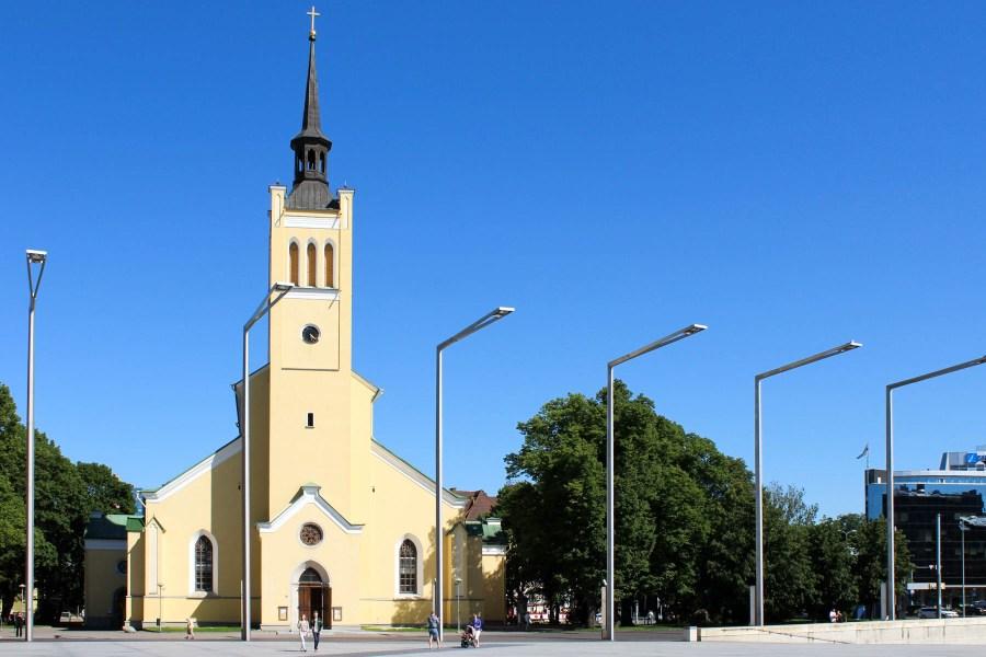 Pyhän Johanneksen kirkko eli Jaani kirik Vapaudenaukiolla. © tripsteri.fi / Veera Marjamaa