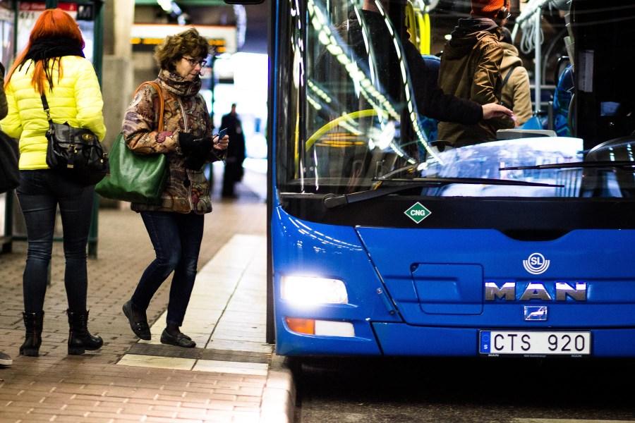 Sininen SL-bussi. Kuva: Benjamin Horn, flickr.com, CC BY-SA 2.0