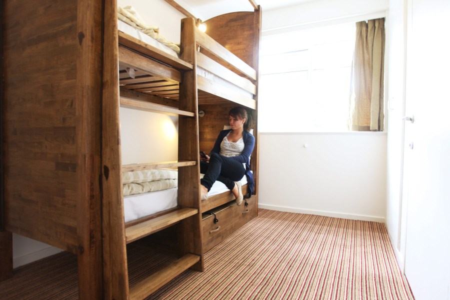 Palmers Lodge Hillspring kahden hengen huone kerrossängyllä © Palmers Lodge Hostels