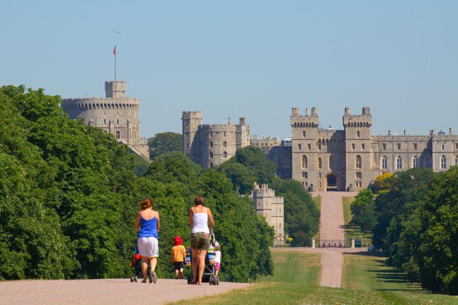 Windsorin linnassa juhlitaan näyttävästi neljänä iltana