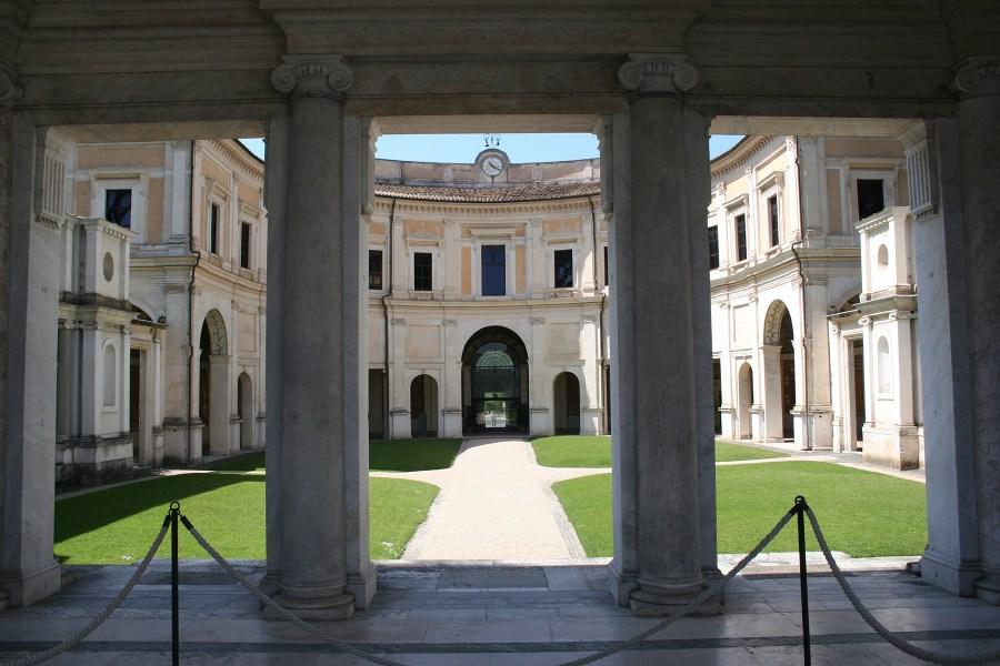 Villa Giulia on lauantaina auki 22.30 saakka © Federico Lukkini Flickr CC