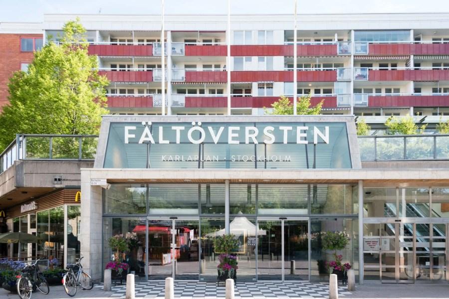 Ostoskeskus Fältöversten Östermalmilla. Kuva: Soile Vauhkonen