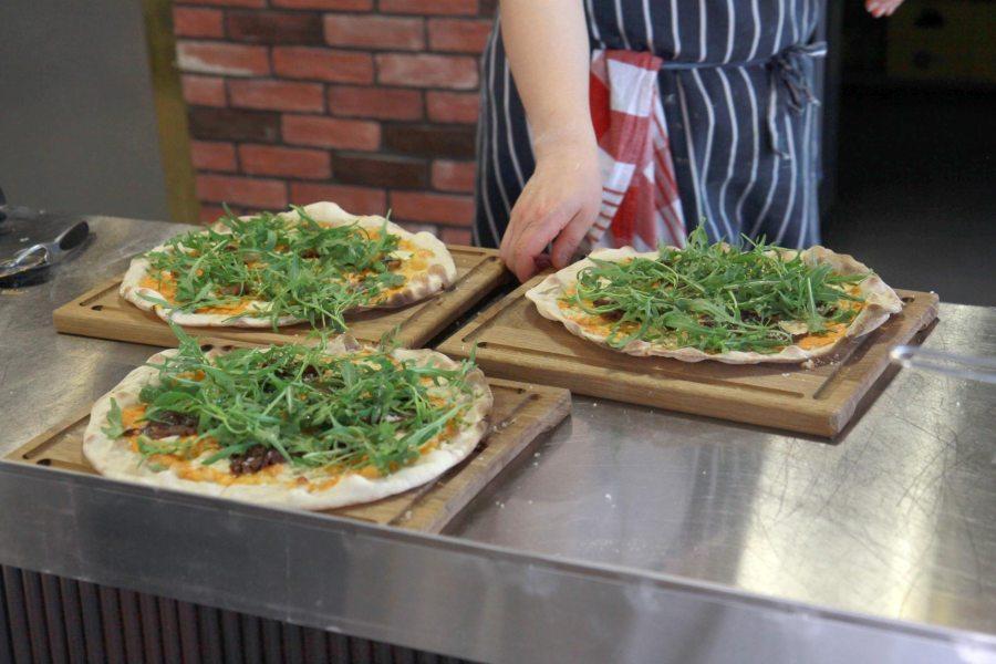 Vileen kahvilassa tarjoillaan muun muassa rustica-pizzoja.