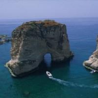 صخرة الروشة في لبنان