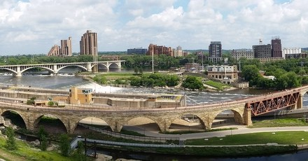 Discover riverside Minneapolis – The Stone Arch Bridge trail