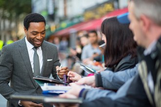 Chiwetel Ejiofor signing for fans©JamesGillham/StingMedia.co.uk