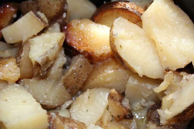 slow cooker ranch potatoes hero