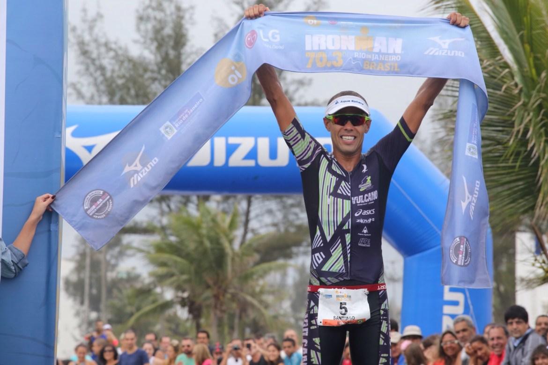 Santiago Ascenço, campeão do Ironman 70.3 Rio. Foto: Fernanda Paradizo