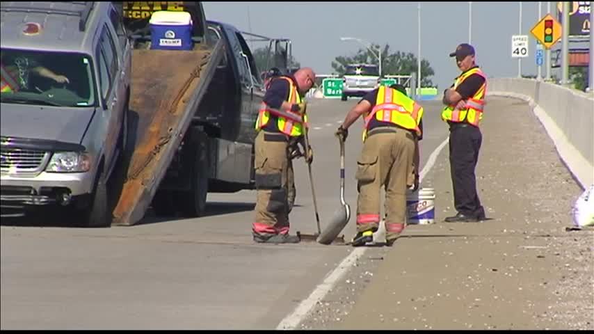 SUV Accident in Evansville Backs Up Morning Traffic_48513609-159532