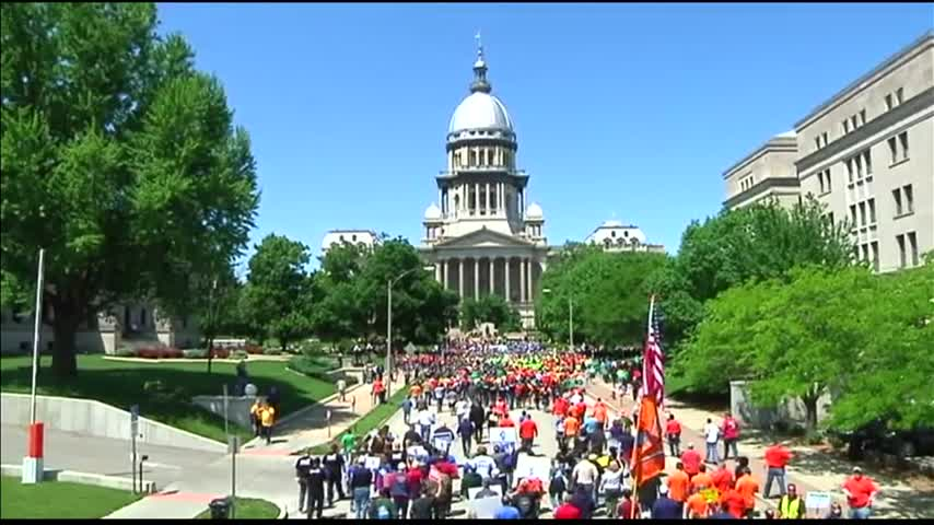 Thousands of Protesters Descend on Illinois Capitol