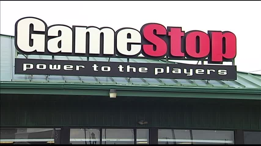 GameStop to Close Nearly 200 Stores_35876350