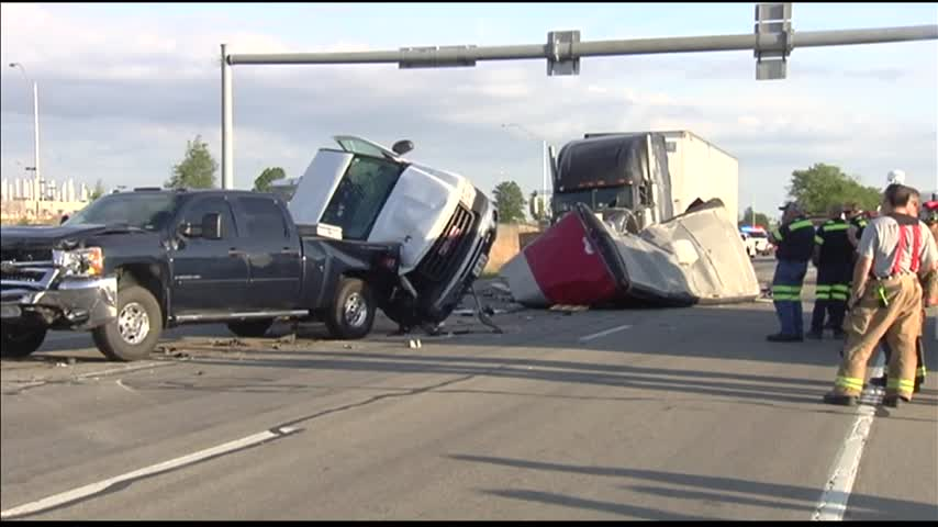 Gibson County Crash_42408484