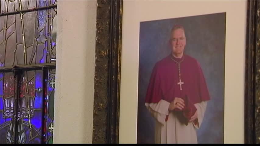 Bishop Siegel welcomed in Evansville church_48049969