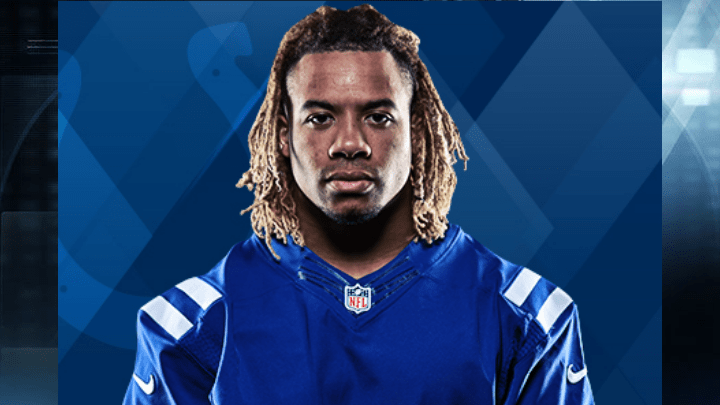 Colts player dies in car crash