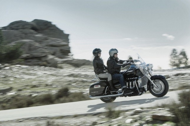 2013_triumph_rocket_3_touring_17