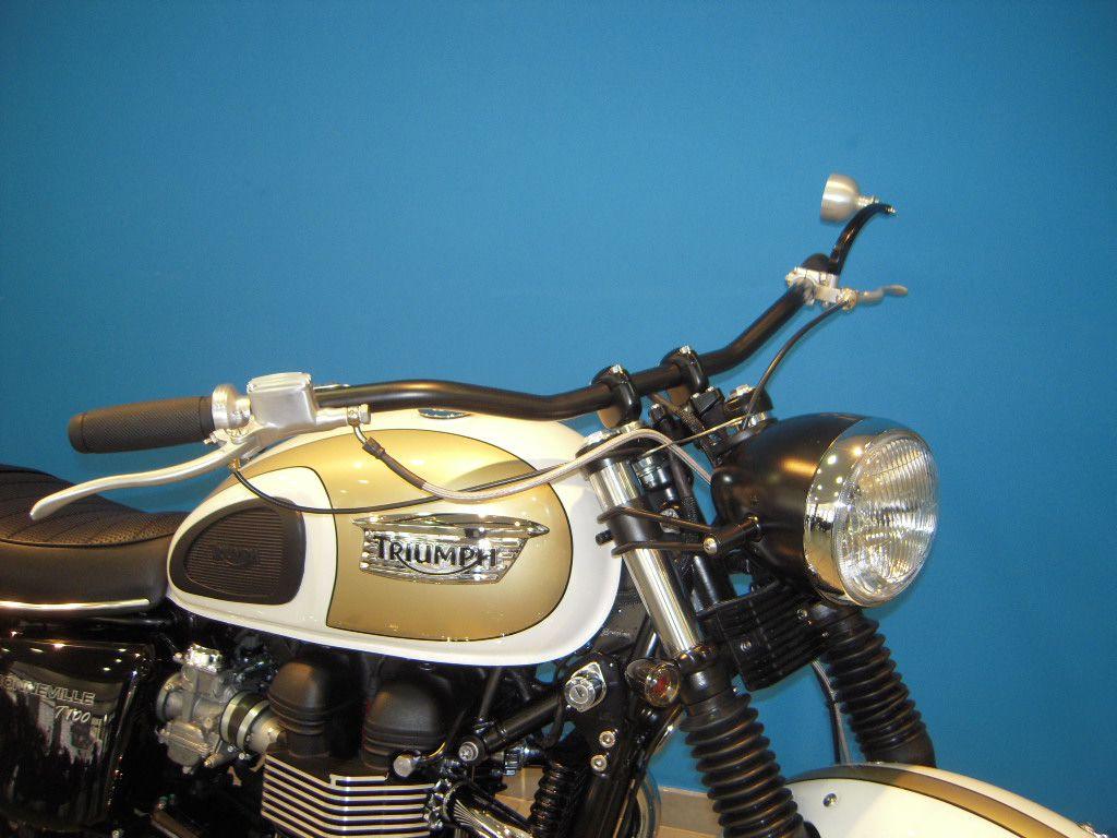bonneville t100 par moto deschamps nice. Black Bedroom Furniture Sets. Home Design Ideas