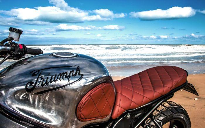 Triumph_Tugboat_TT600_08
