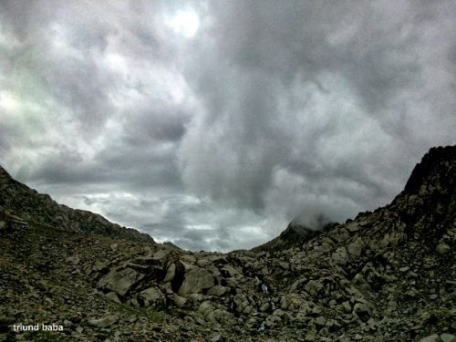 Clouds Show on trail to Lam Dal the longest lake of Dhauladhar Mountains