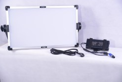 MAGIC HUE BI-COULEUR RGB ET FLASHLIGHT LEDGO LG-G200