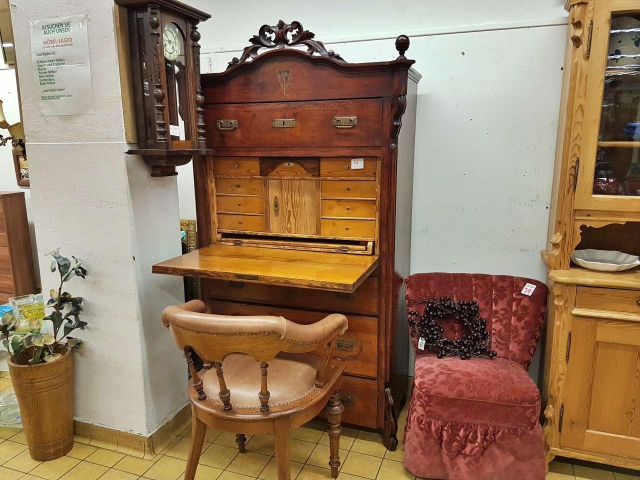 Sekretär Stilmöbel antik Nussbaum