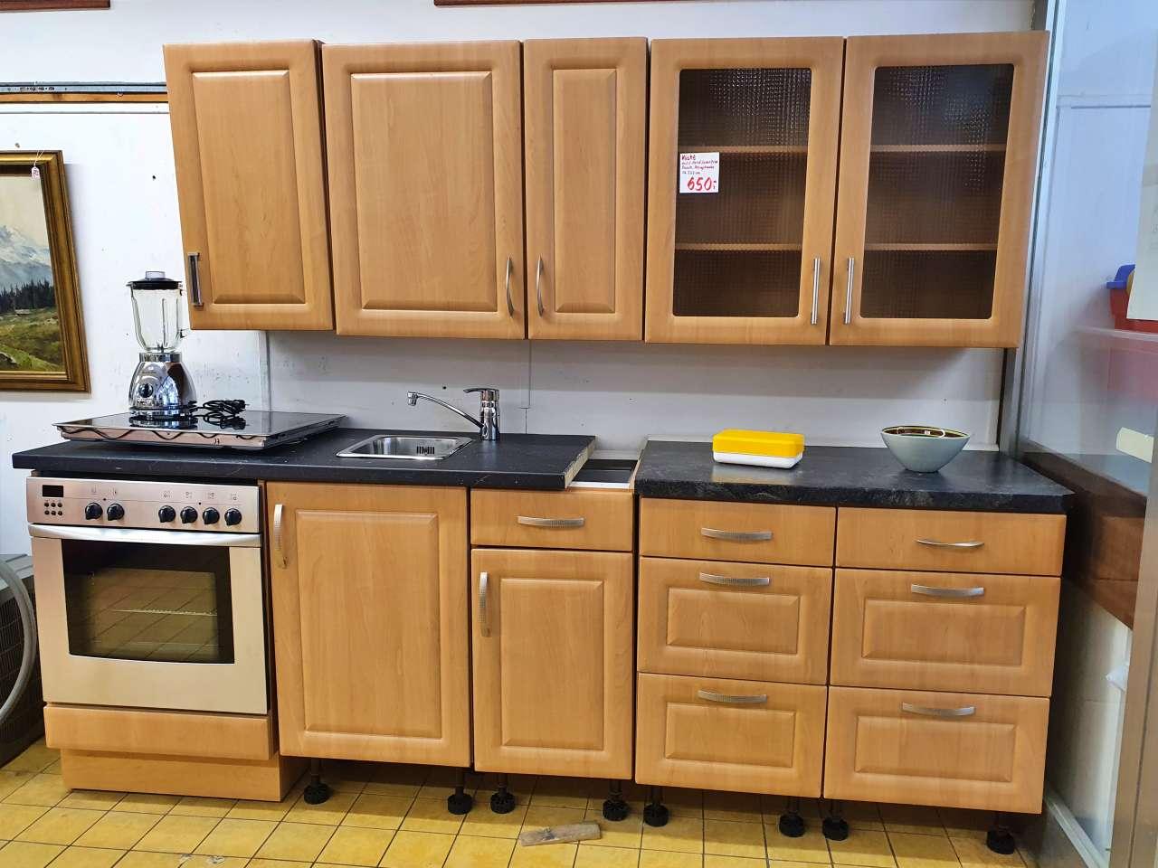 Einbauküche mit E-Geräten Buche Zeile