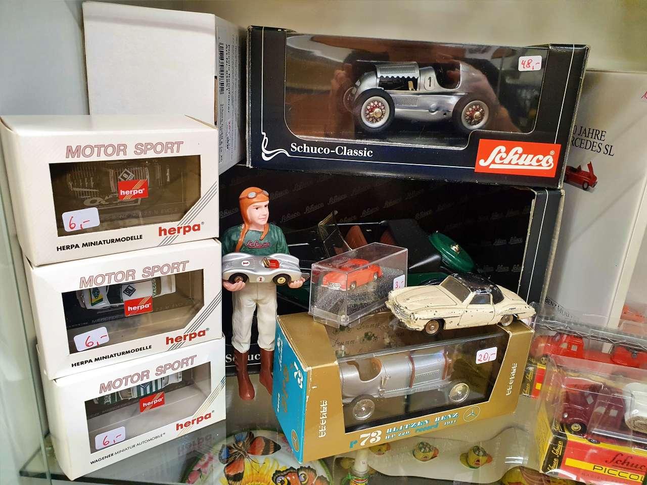 Sammlerstücke verschiedene Modellautos